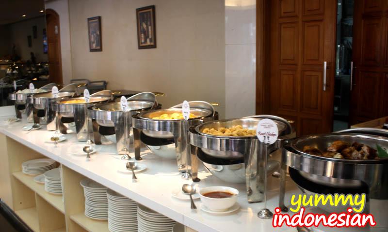 emilia hotel restaurant 3