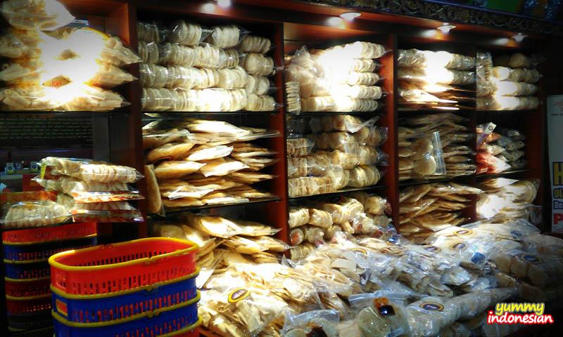 Beringin's vast collection of crackers